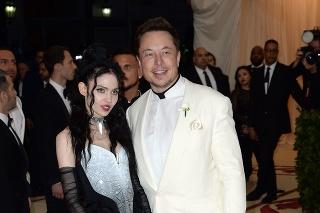 Elon Musk a jeho partnerka Grimes.