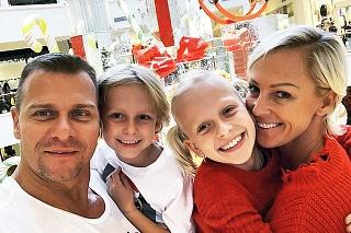 S manželom Vlastom Hájekom vychovávajú spolu ich dve deti, syna Nevia a dcéru Salmu.