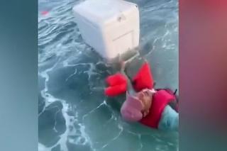 Rybári sa stali hrdinami: Dramatické momenty náhodnej záchrany životov ľudí v zálive