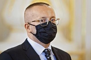 Vladimír Pčolinský má v parlamente brata aj sestru.