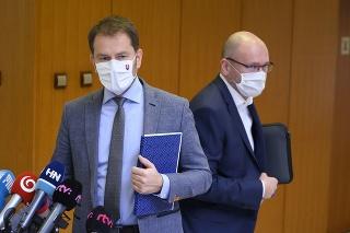 Vľavo predseda vlády Slovenskej republiky Igor Matovič (OĽaNO), vpravo podpredseda vlády SR a minister hospodárstva SR Richard Sulík (SaS).