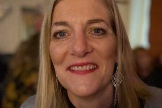 Fiona McClucskey otehotnela keď mala 48 rokov, po šiestom pokuse o umelé oplodnenie.