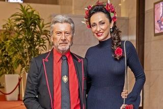 Manželia Juraj a Sisa sú počas karantény doma.