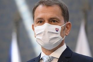 Premiér Matovič koaličného partnera láme na zákaz predaja už od mája.