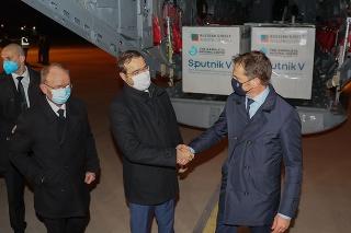 Predseda vlády SR Igor Matovič, minister zdravotníctva SR Marek Krajčí a infektológ Pavol Jarčuška .