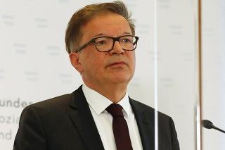 Rakúsky minister zdravotníctva Rudolf Anschober spoznal svojho nástupcu.