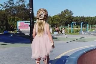 6-ročná skejterka vyzerá ako princezná: Keď ale začne jazdiť, je z nej iná dračica!
