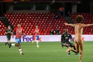 Nahý fanúšik v zápase Granada - Manchester United.