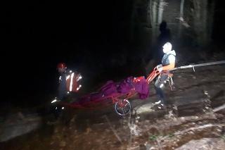 Horskí záchranári pomáhali mužovi, ktorý spadol z Veľkého Manína.