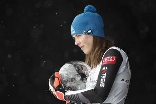 Petra Vlhová je najlepšou lyžiarkou sezóny.