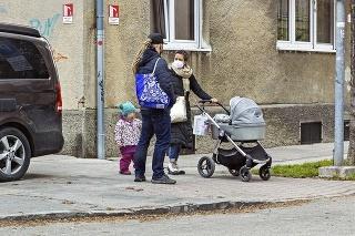 Bratislava 6. 4. 2021 13.30 hod.: Herečka porodila synčeka pred 11 dňami v úplnej tichosti. Rodinka si však už dopriala spoločnú prechádzku