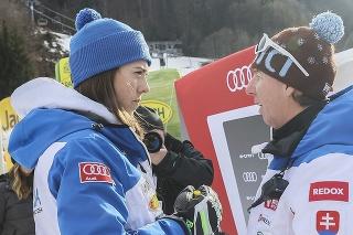 Na snímke vľavo slovenská lyžiarka Petra Vlhová a vpravo tréner Livio Magoni.