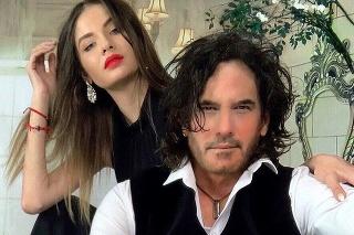 Krásna Slovenka tvorí pár s hercom Mariom Cimarrom.