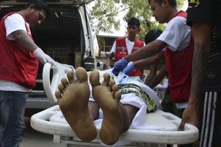 Počas protestov v Mjanmarsku zomrelo najmenej 114 ľudí.