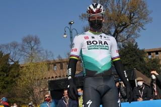 Slovenský cyklista Peter Sagan pózuje pred začiatkom cyklistických pretekov Miláno - Sanremo v Miláne 20. marca 2021.