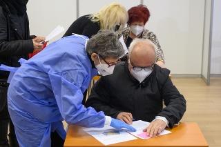 V Nitre funguje od soboty 20. marca 2021 prvé Veľkokapacitné očkovacie centrum (VKOC) v Nitrianskom kraji.