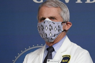 Na archívnej snímke z 25. februára 2021 renomovaný americký imunológ Anthony Fauci