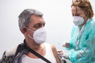 Na Slovensku vzniklo niekoľko veľkokapacitných očkovacích centier.