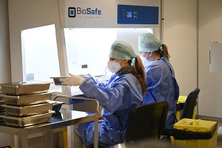 Otvorenie veľkokapacitného očkovacieho centra v priestoroch výstaviska v Trenčíne