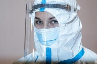 Dominika Cibulková ako výpomoc pri testovaní