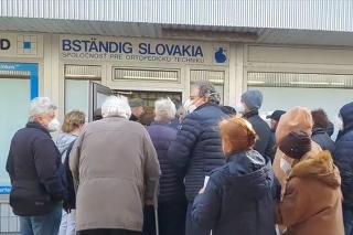 Chaos pri očkovaní v Bratislave.