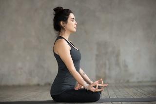 Cvičenie dýchania zlepšuje činnosť pľúc.