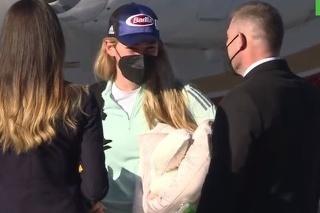 Shiffrinovú vítali na letisku v Poprade klavírom.