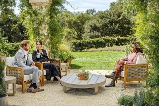 Oprah Winfrey si problémy mladého páru pozorne vypočula.