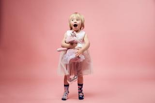 Ponožková výzva pomáha zvýšiť povedomie o Downovom syndróme.
