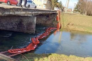 Opravu mosta sľúbili už v polovici októbra minulého roka.