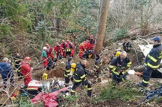 Pri banskej štôlni zasahovali desiatky hasičov a záchranárov.