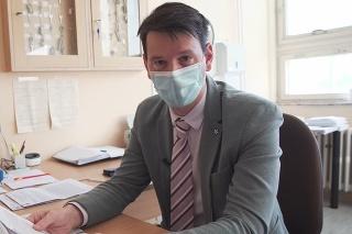 Patológ Michal Palkovič zodpovedal opakujúce sa otázky Slovákov.