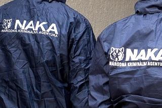 V nedeľu ráno Kováčika do Pezinka doviezla NAKA.