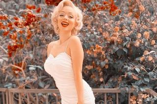 Dvojníčka slávnej Merilyn Monroe býva v jej dome a tam ju straší herečkin duch