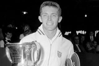 Vo veku 90 rokov zomrel americký tenista Tony Trabert.