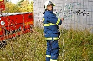 Zlaňovanie budov: Ako inštruktor lezeckej činnosti vyškolil množstvo svojich kolegov.