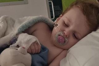 Dievčatku museli guličky z tela vybrať operatívne.