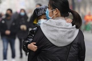 Medzi pozostalými obeťami koronavírusu vo Wu-chane má vládnuť napätá atmosféra.