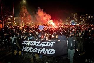 Demonštrácie zorganizovali radikálne skupiny.