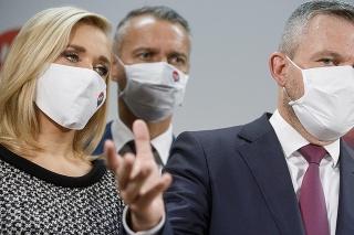 Podpredsedovia strany Hlas-SD Denisa Saková a Richard Raši a predseda strany Peter Pellegrini