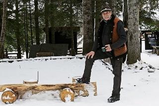 2021 - Chatár Peter Petras (74) na mieste,  kde vždy stála tatranská atrakcia.