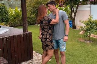 Nadine a Tiago tvoria pár.