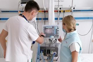 Primár vysvetľuje, kedy lekári k podpore pľúc pristupujú a akú starostlivosť si takýto pacienti vyžadujú.
