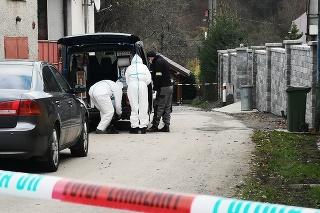 Polícia vykonávala vo štvrtok obhliadku domu niekoľko hodín.