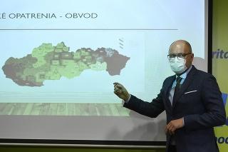 Predseda SaS a minister hospodárstva SR Richard Sulík počas predstavenia protipandemického plánu.