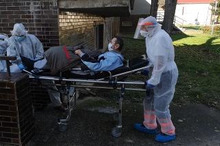 Po troch týždňoch sa im do obce vracia z nemocnice v Partizánskom 60-ročný Jozef, ktorý je bez strechy nad hlavou.