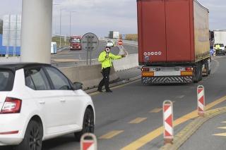 Slováci môžu prekročiť maďarské hranice na maximálne 24 hodín do vzdialenosti 30 km (ilustračné foto).