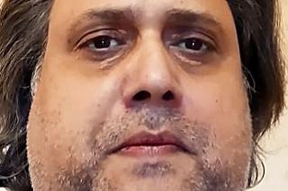 Pred smrťou zverejnil srdcervúce video, v ktorom vystríhal ľudí, aby neverili spochybňovačom COVID-u.