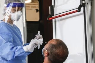 Maltské úrady zaznamenali v sobotu 79 nových prípadov nákazy koronavírusom.