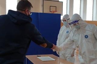 Video ukazuje priebeh testovania.